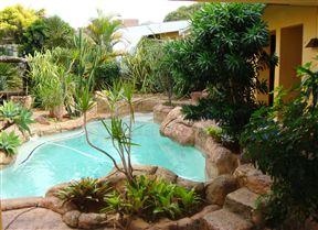 Flintstones Guest House Durban - SPID:9814