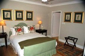 Carina's Bed and Breakfast - SPID:985292