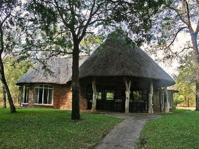Mphangele Lodge